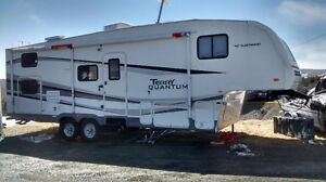 Terry Quantum Fifth Wheel