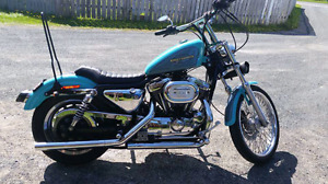 Sportster 2000 teal and gray. Only 16000 km