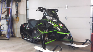 Arctic Cat winshiled