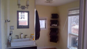 Master bedroom in gorgeous older home (AC all inclusive) Cambridge Kitchener Area image 2