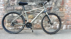 PINNACLE LITHIUM. FULLY WORKING . NEW HYDRAULIC BRAKES NO RUSTY FREE