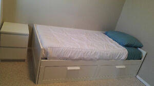 "White Bed and mattress brand new, 76,8""x40,9""x15,4"""