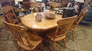 Gorgeous oval table and six chair set