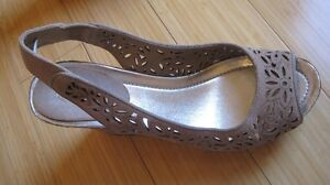 BEAUTIFUL TAN SUEDE HIGH WEDGE SANDALS BY KENNETH COLE. NEW!!!