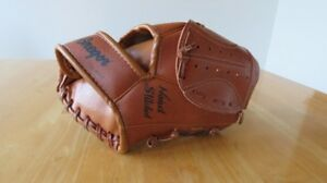Baseball glove for a youth