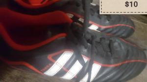 Adidas soccer shoes almost new size 4 &5