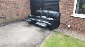 FREE DELIVERY!! 3 SEATER RECLINING SOFA