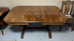 Walnut Dinning room table and 6 chairs