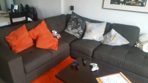 SOFA SECTIONNEL COMME NEUF 750$