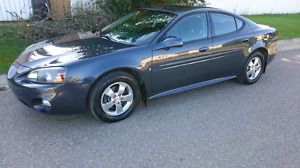Pontiac Grand Prix 2008 w/ driver and sun package.