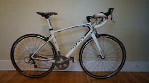 Giant Defy Composite 3 Full Carbon MEDIUM
