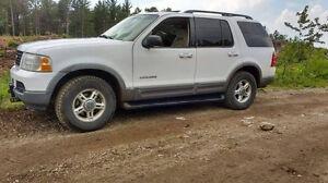 2002 Ford Explorer xlt échange ou 2200$
