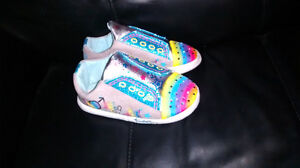 Twinkle toes indoor light up shoes /slippers size 2-3 youth Kitchener / Waterloo Kitchener Area image 2