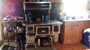 Elmira Findly Oval Cookstove