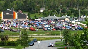 Plusieurs voitures anciennes et modifiées à vendre