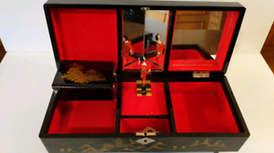 Black lacquered Japanese Musical Jewellery Box