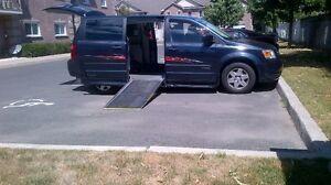 2008 Wheelchair Van--Dodge Grand Caravan