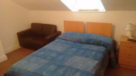 Beautiful and big double room with sofa and desk