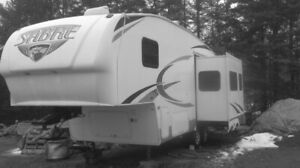 FOR SALE 25 ft  SABRE FIFTH  WHEEL
