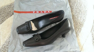 Authentic Women's PRADA Dress Shoes Sz 35