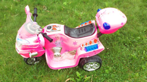 Lil' Rider Powered Frozen 3 Wheel Motorcycle Kids Ride On Toy