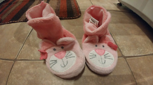 Girls cat slippers (size 7-8)