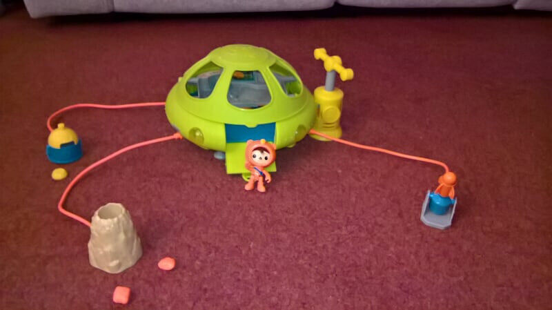 Fisher Price Octonauts Toy Octo Lab Playset - Includes Shellington Deep Sea Action Figure