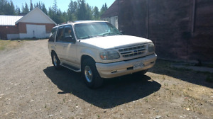 REDUCED 1997 Ford Explorer Limited Edition