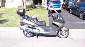 """Low kms Silverwing 2005 """"600"""""""