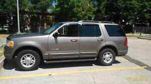 2007 Ford Explorer - Mint Condition Gold