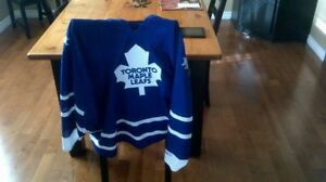 Maple Leafs Home Jersy XXL (in Campbellford)