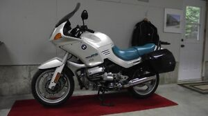 BMW R1100RS État showroom !