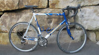 vela bike bicycle excellent condition comme neuf cannondale