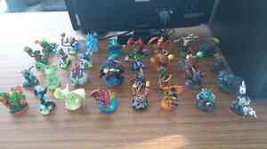102 skylanders, 17 traps, 12 items, portal and game