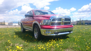 Dodge Ram 1500 Laramie 4x4 Thunder road