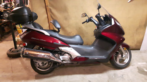 Scooter Honda Silverwing 2009 600cc.      ***** impeccable *****