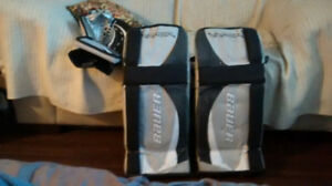 "Bauer goalie street hockey 27"" pads and glove $40"