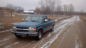 Very reliable! Needs nothing! Solid!!1990 Chev/GMC C1500 truck!