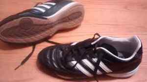 Women's indoor soccer shoes