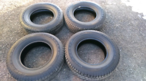 4 pneus d'été NEUF Goodyear Wrangler SR-A 265/70R17