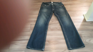 TRUE RELIGION JEANS ME'NS SIZE W 33 L34