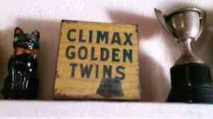Tobacco tin Climax Golden Twins