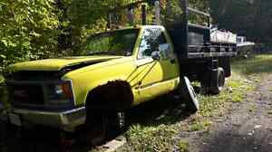 94 GMC dual wheel dump truck  Peterborough Peterborough Area image 3