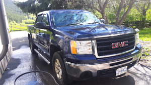 2009 GMC seirra Z71 (reduced 14500)