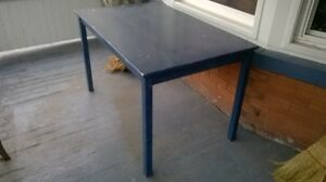 Wooden table. Kitchener / Waterloo Kitchener Area image 1