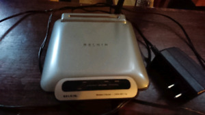 Belkin F5D7230-4 - wireless router - 802.11b/g