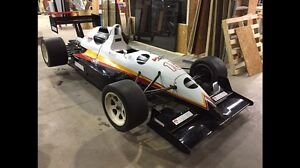 Lola Indy lights T9320 (échange possible)