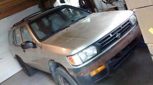 1997 Nissan Pathfinder SUV, Crossover