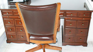Bombay Executive Desk