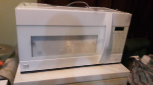 Kenmore elite over the range microwave/ convection/vent/ lights